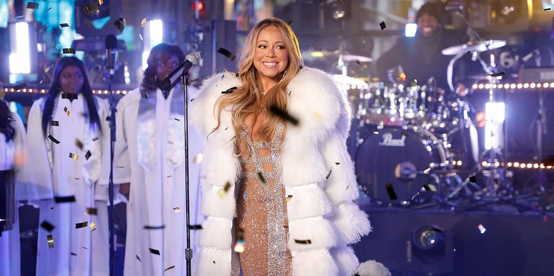 Mariah Carey's 2018 New Year's Eve Performance - Travel My ... Mariah Carey New Years Eve