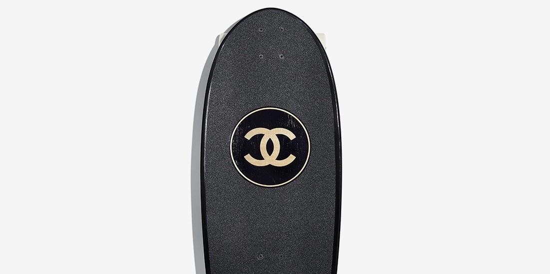 Δυο πολυτελείς σανίδες για Skateboard και Surf από τη Chanel