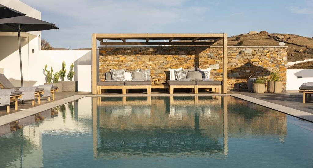 Checking in at Chora Kythnos Suites