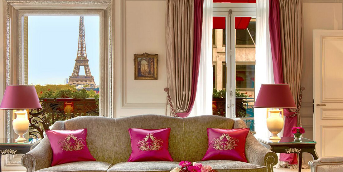 Hotel Plaza Athénée, the undisputed Parisian couture address