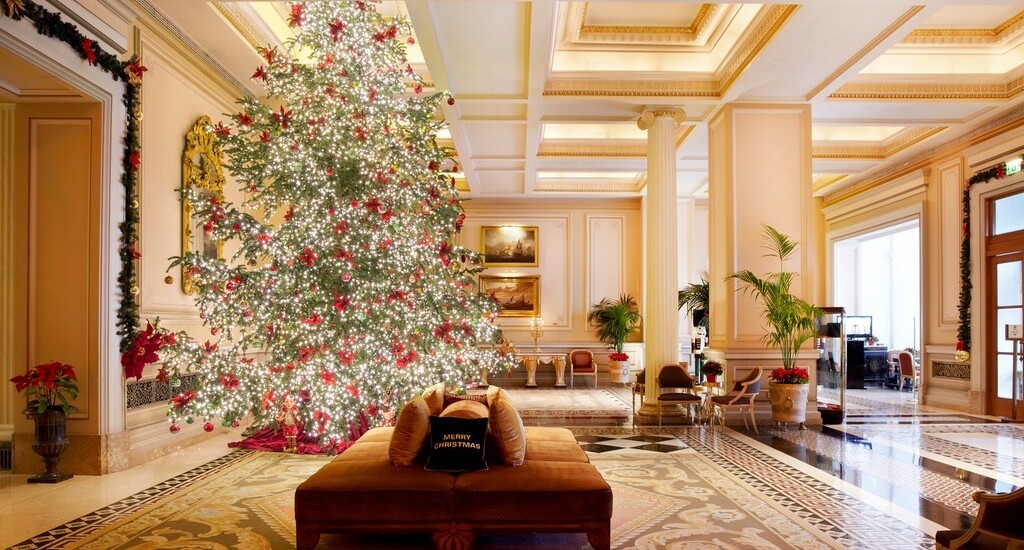 How to live Grande Bretagne Hotel Christmas 2020 from home!