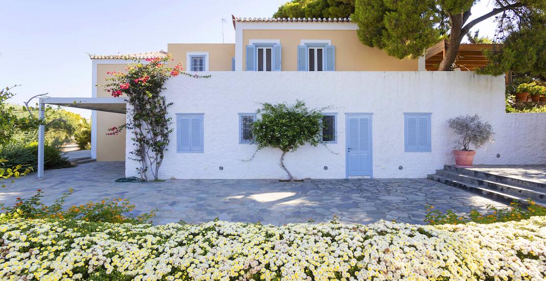 The Pine Estate is Poseidonion Grand Hotel's new private villa!