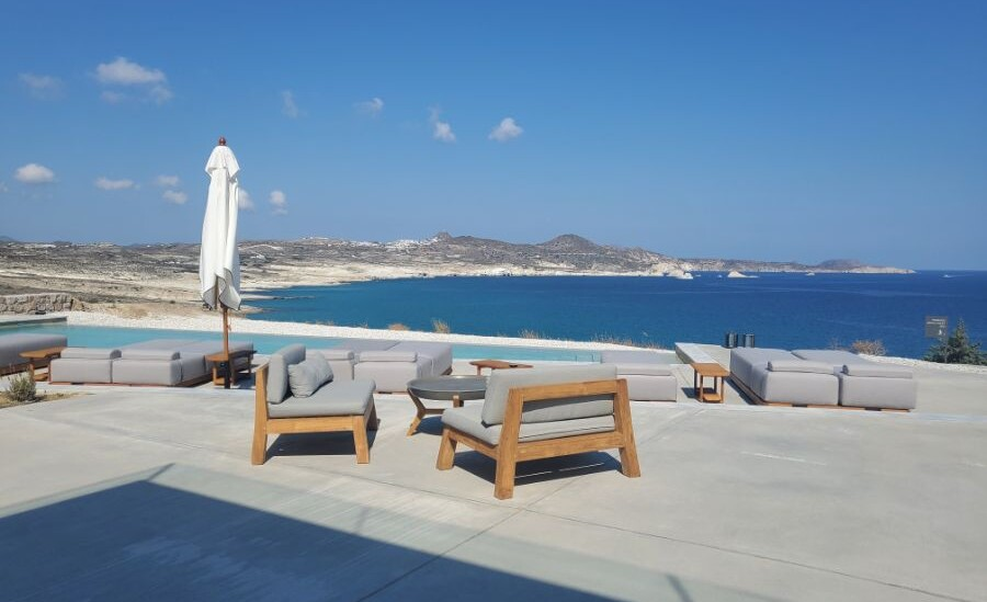 Feeling relaxed and pampered at White Coast Pool Suites * Milos