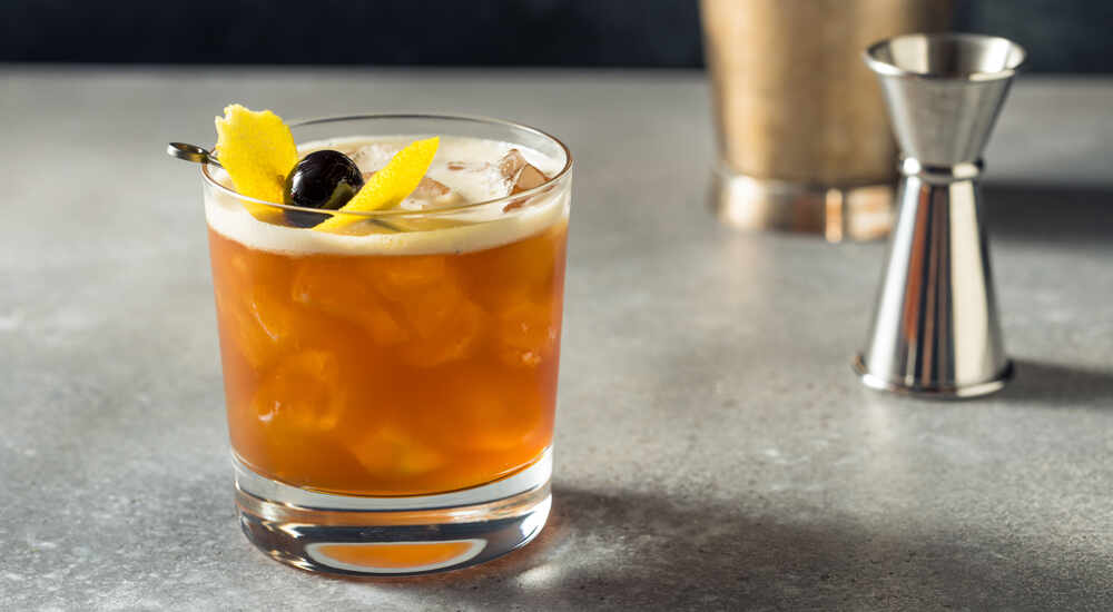 How to Make an Amaretto Sour, the Almond-Accented Cocktail Made Great by Bourbon
